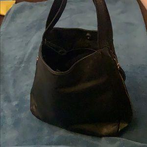 BP Black zipper shoulder bag EUC medium size bag
